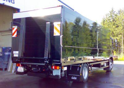 LKW Nutzfahrzeug im Getränkeaufbau von Grimm und Partner Fahrzeugbau