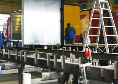 Mitarbeiter Grimm und Partner Fahrzeugbau in der LKW Werkstatt Suhl bei der LKW Reparatur